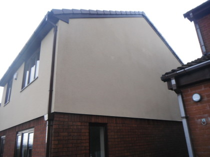 image of Specialist Cleaning of K-rend Render after cleaning of black streaks and algae , chester Cheshire. www.cleaning-service.uk.com