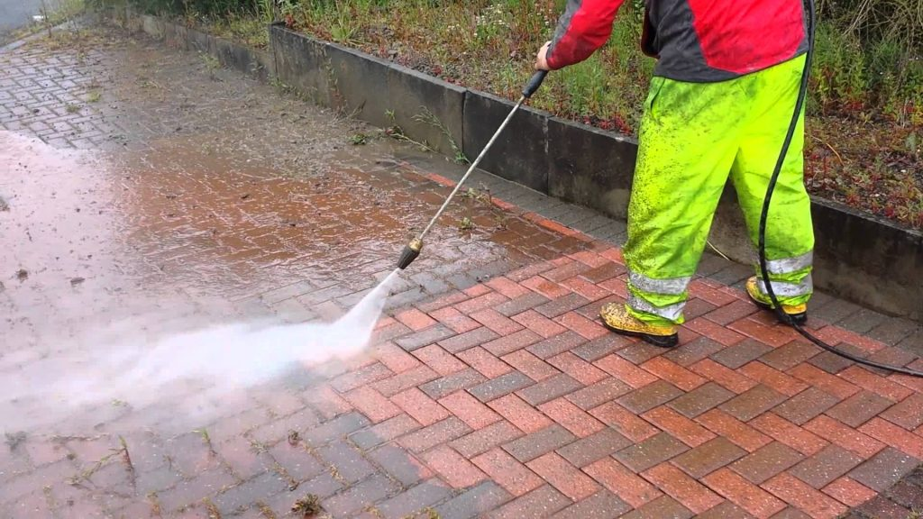 jet washing cleaning frodsham for deck and patio cleaning