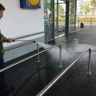 Outdoor Foodservice Cleaning and Sanitising Surfaces
